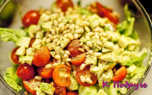 Салат с кедровыми орешками фото