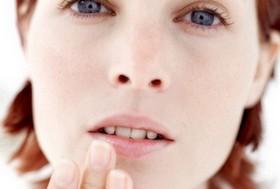 Заеды в уголках рта: «изгнание» обрамлений губ