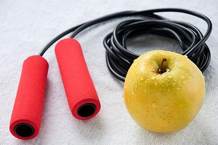 Скакалка для похудения (роуп-скиппинг) – фитнес детства
