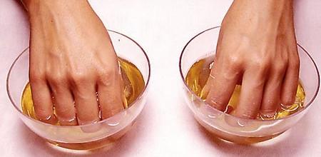 Как сделать ногти крепкими: рецепты из «сундука»