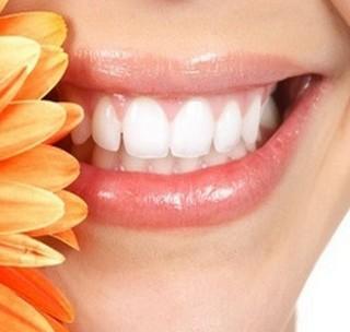 Домашние процедуры по отбеливанию зубов: старинные рецепты