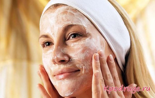 Белая маска для лица